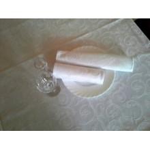 Серветка біла 22 см х 32 см