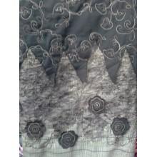 Тканина костюмна купон 90 см з аплікацією на гипюре